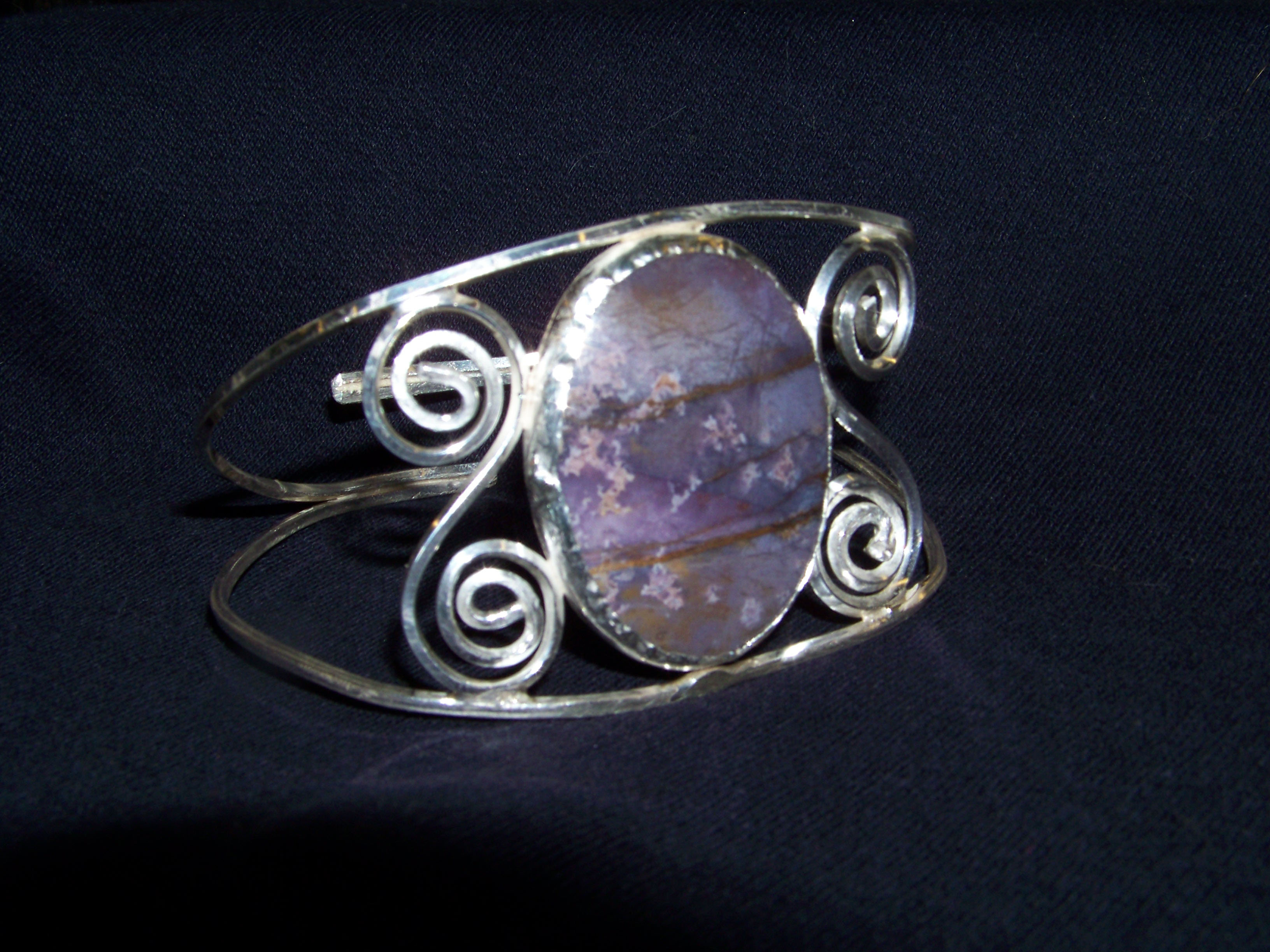Silver Bracelet with lace agget stone
